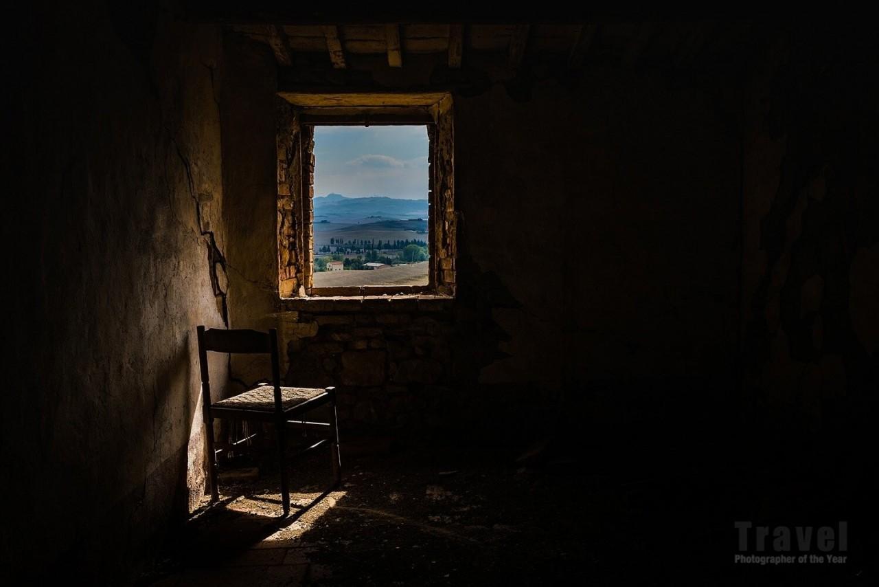 2-е место в категории «Одиночество», 2020. Фотограф Анджоло Манетти