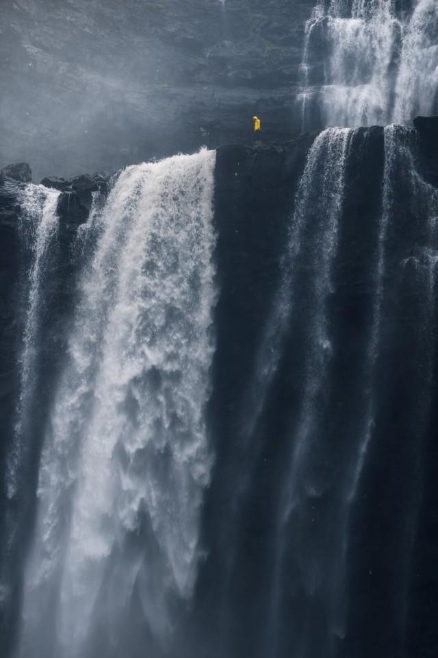 Водопад Фосса на Фарерских островах. Поощрительная премия в категории «Острые впечатления и приключения», 2019. Автор Марко Грасси