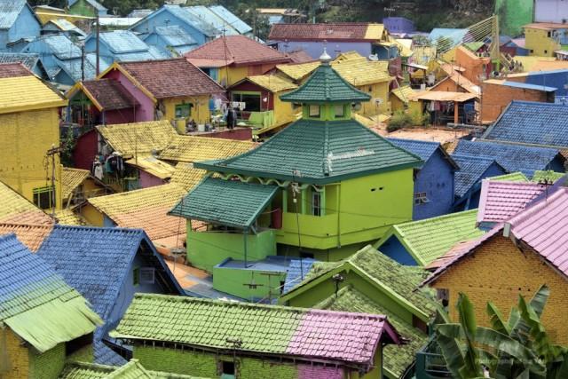 Красочные дома в городе Маланг в Индонезии. Поощрительная премия в категории «Юный туристический фотограф года» 15-18 лет, 2019. Автор Патрия Прасасья