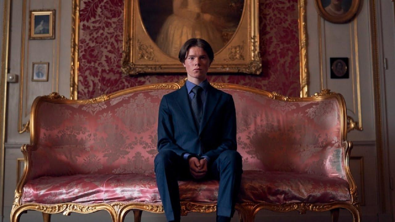 «Молодые монархи»: молодёжная драма о непростой жизни наследника престола