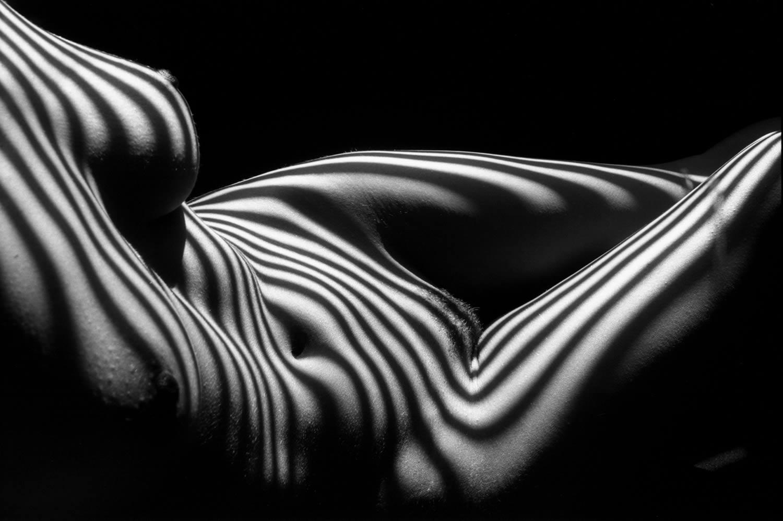 Обнажённые женщины в полосатых тенях Люсьена Клерга