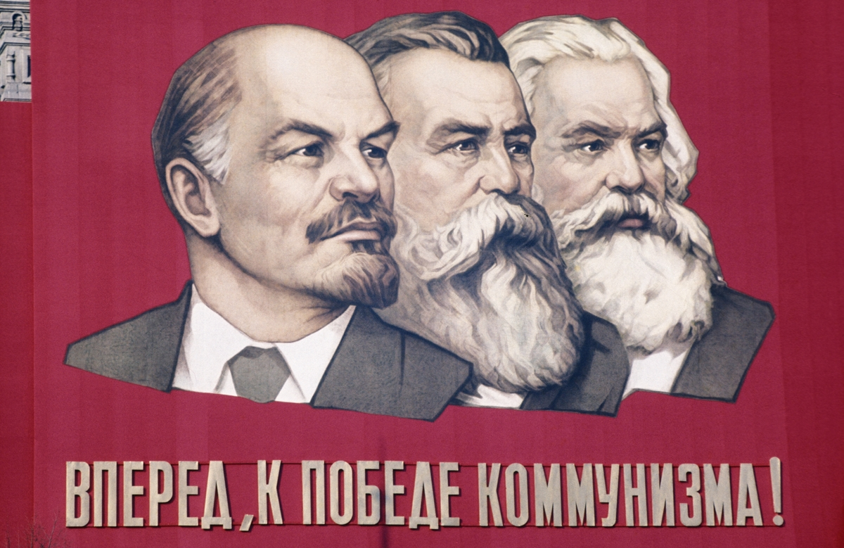 how stalin shapes the leadership and communist party movement after wwii