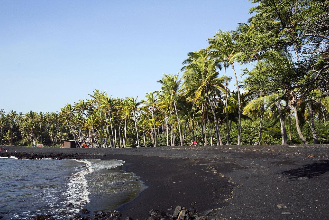 Чёрный пляж - Гавайи