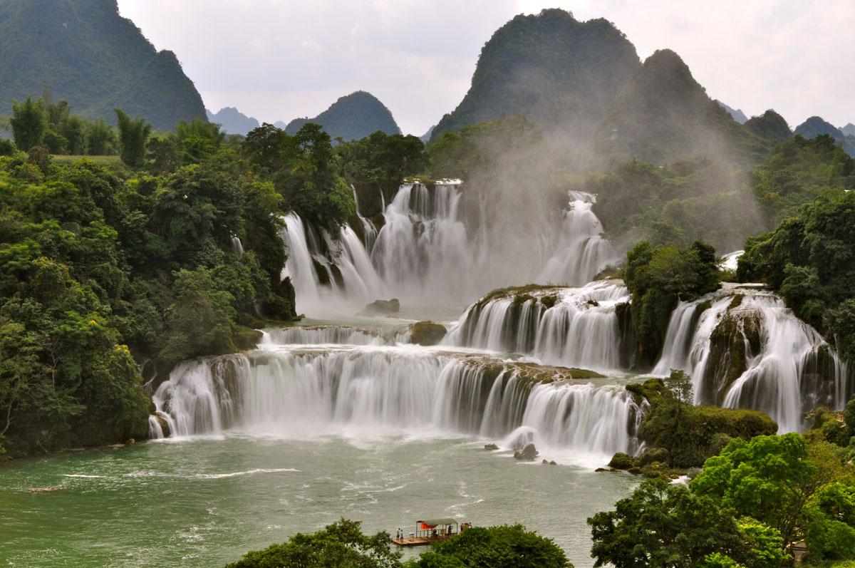Водопад Дэтянь, Вьетнам и Китай