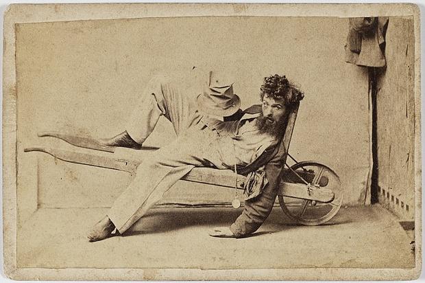 Пять стадий опьянения - веселые ретро фотографии 19-го века_4