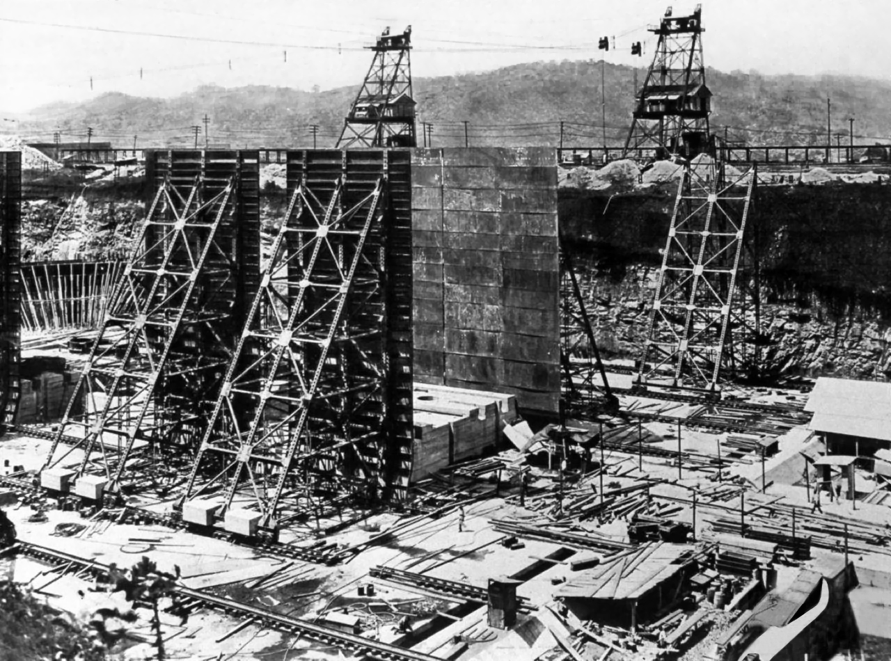 the historic development of the panama canal Culture of panama - history, people, women development from above and below in north-central the creation of the panama canal, 1870–1914.