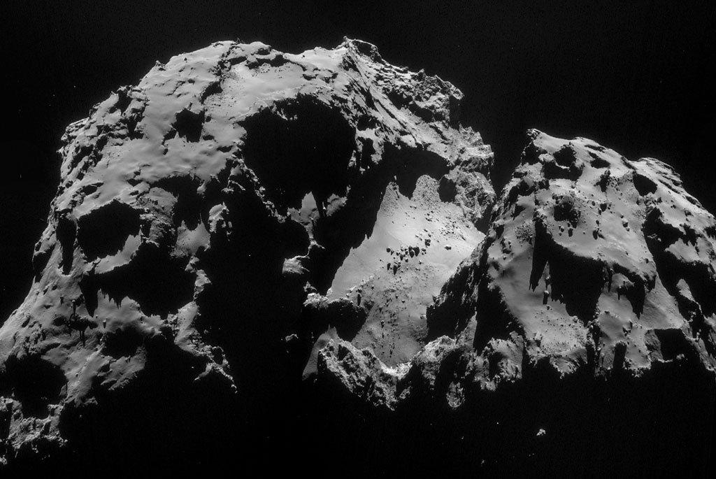 моментов, цветное фото кометы герасименко люди