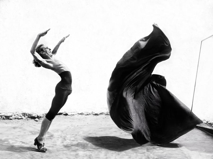 https://cameralabs.org/media/camera/post/10-14/18-10/Ruven-Afanador-flamenco__1.jpg