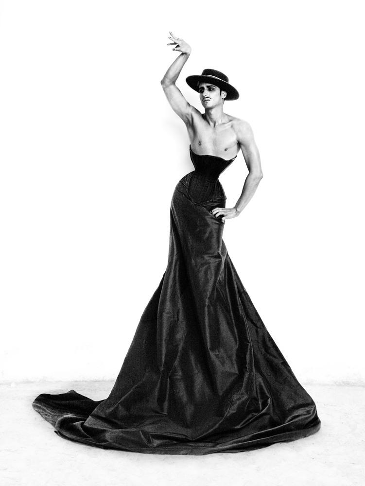 https://cameralabs.org/media/camera/post/10-14/18-10/Ruven-Afanador-flamenco__10.jpg
