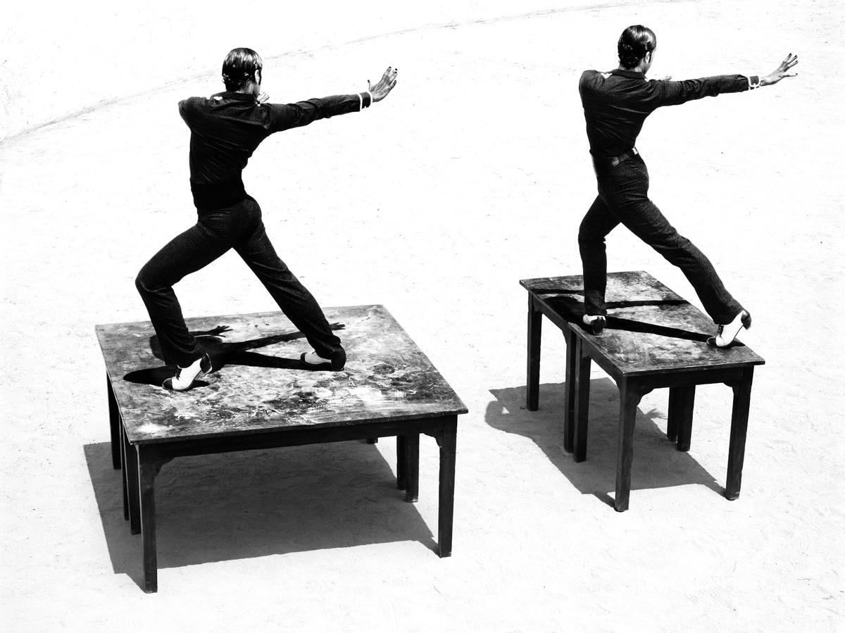 https://cameralabs.org/media/camera/post/10-14/18-10/Ruven-Afanador-flamenco__8.jpg