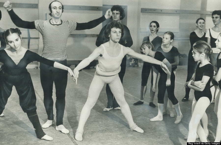 a history of ballet in canada 1939 the winnipeg ballet club, founded by gweneth lloyd and betty farrally, gives its first performances.