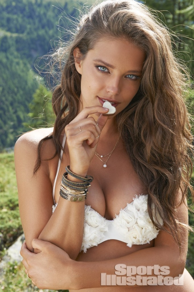 Emily-Didonato-Sports-Illustrated-Swimsuit-2014-10-681x1024