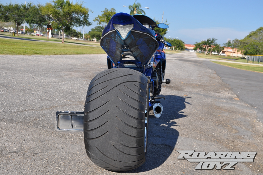 roaring-toyz-yamaha-r1-is-roaring-mad-photo-gallery 10