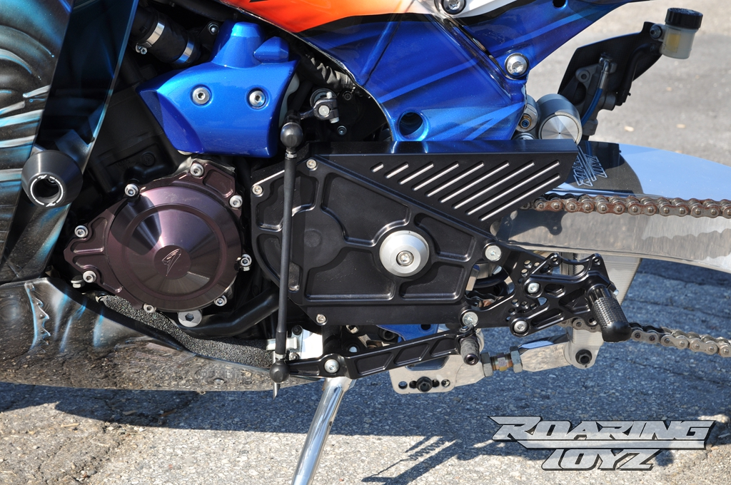 roaring-toyz-yamaha-r1-is-roaring-mad-photo-gallery 3