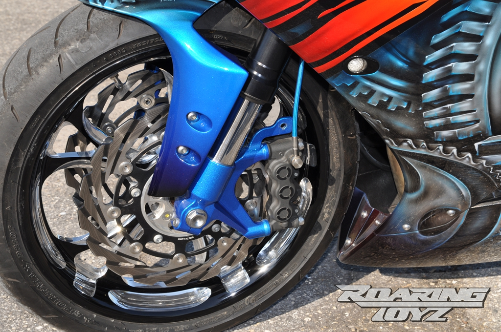 roaring-toyz-yamaha-r1-is-roaring-mad-photo-gallery 6