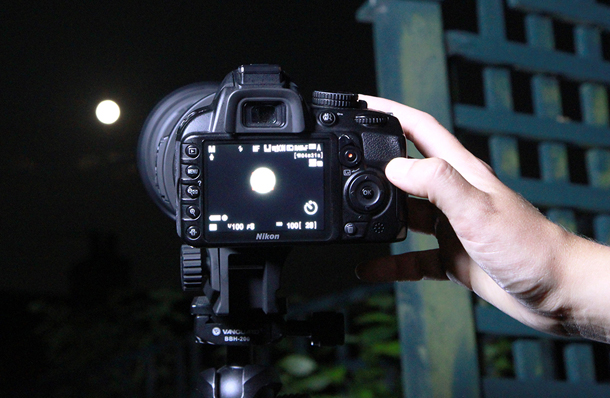 How to photograph the moon pictures NIK25.zone 5.liveview