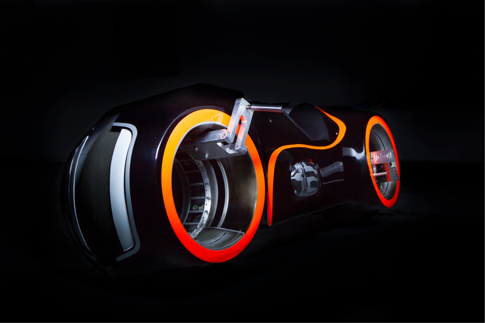 hub-less-wheel-Tron-bike-2