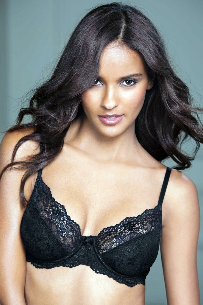 Gracie-Carvalho-Next-lingerie-16-682x1024