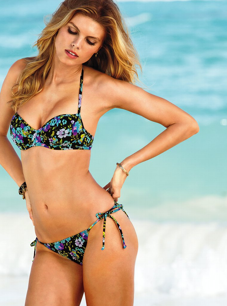 Maryna-Linchuk-VS-Swimwear-11