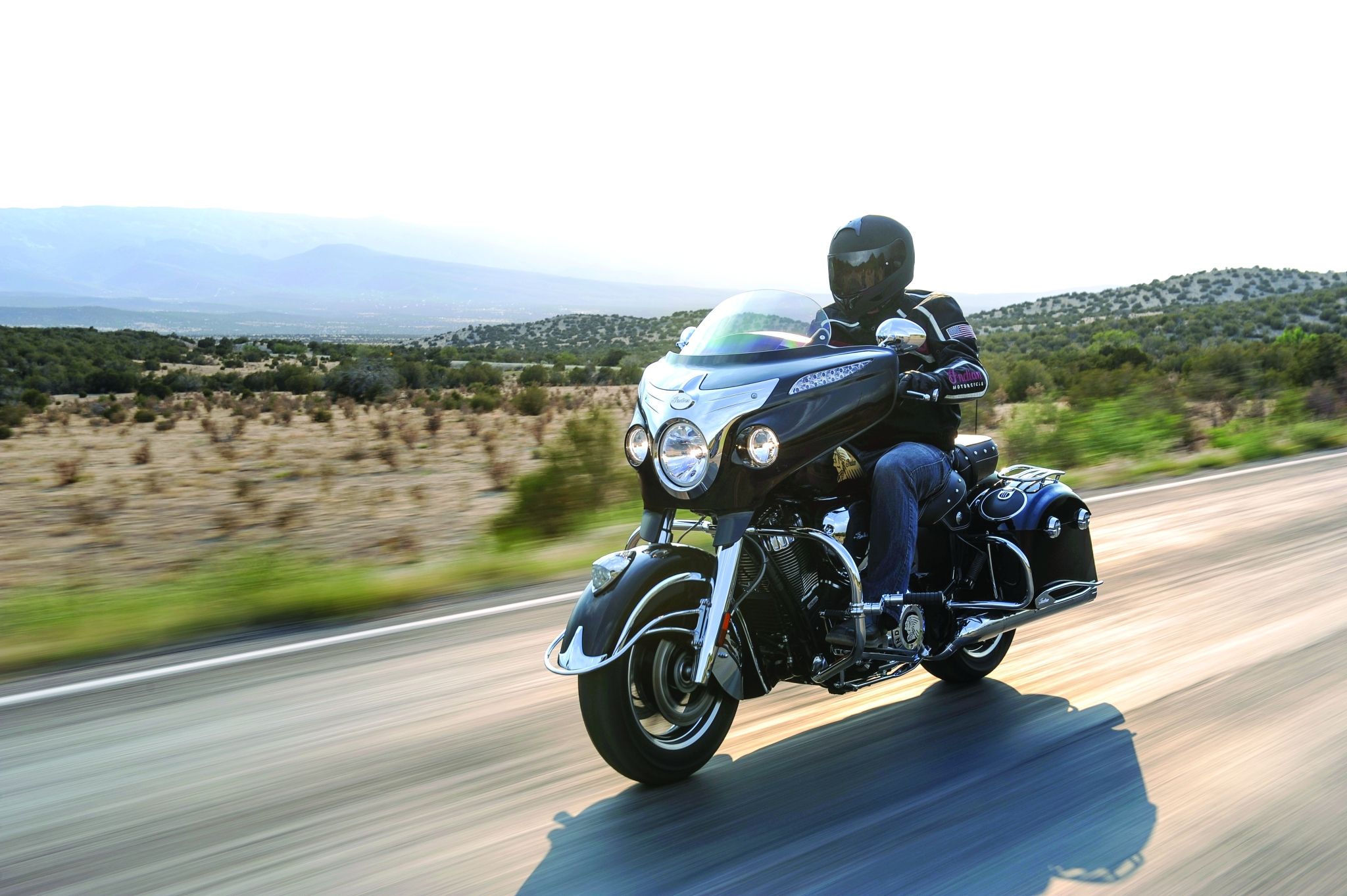 2014-indian-chieftain-the-flagship-cruiser-machine-photo-gallery 1