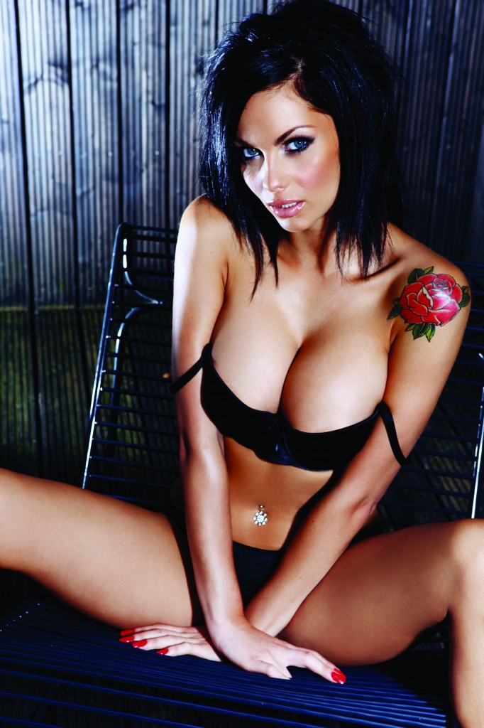 Jessica-Jane-Clement-Hot-9-682x1024
