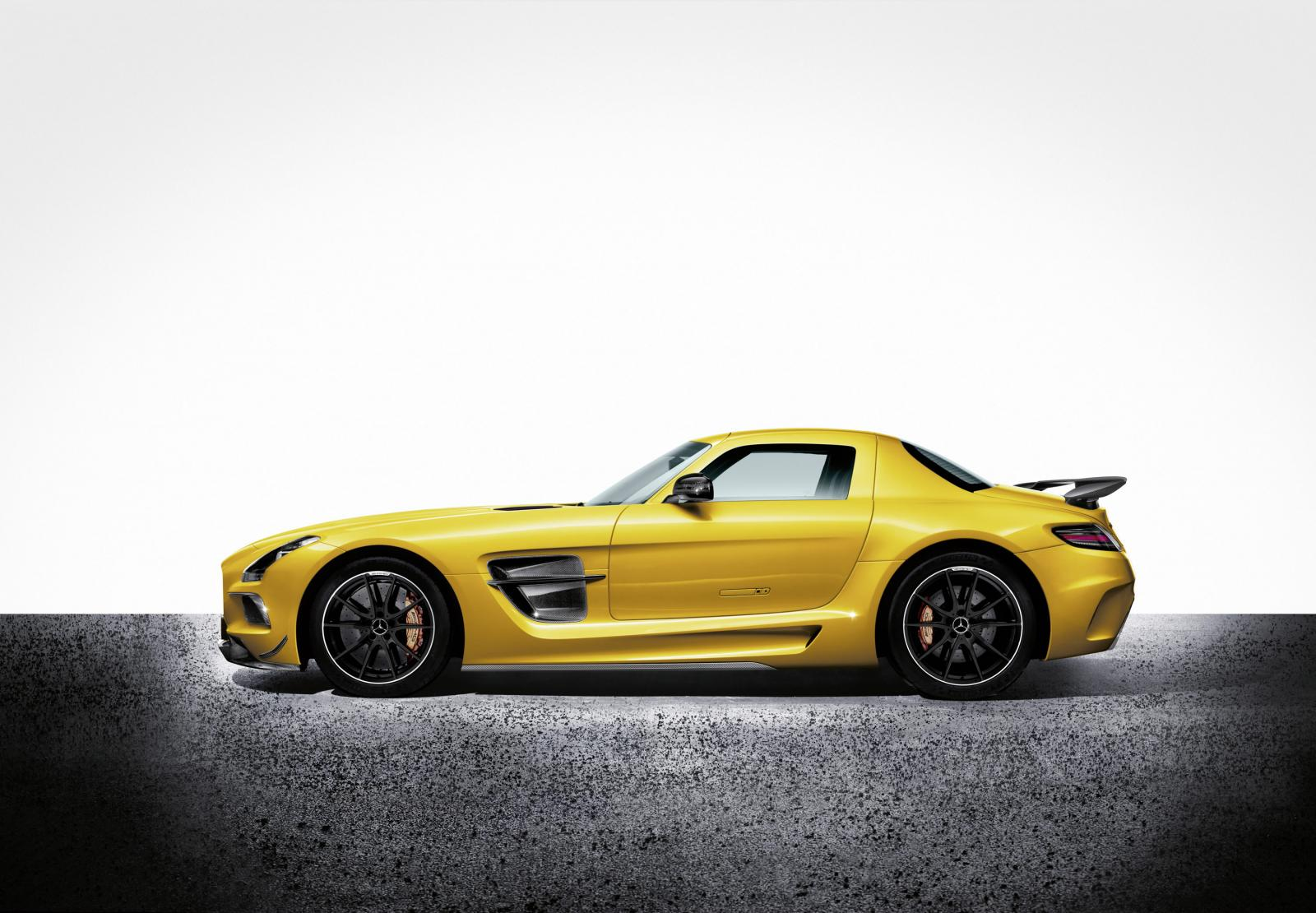 2014-Mercedes-SLS-AMG-Black-Series-2