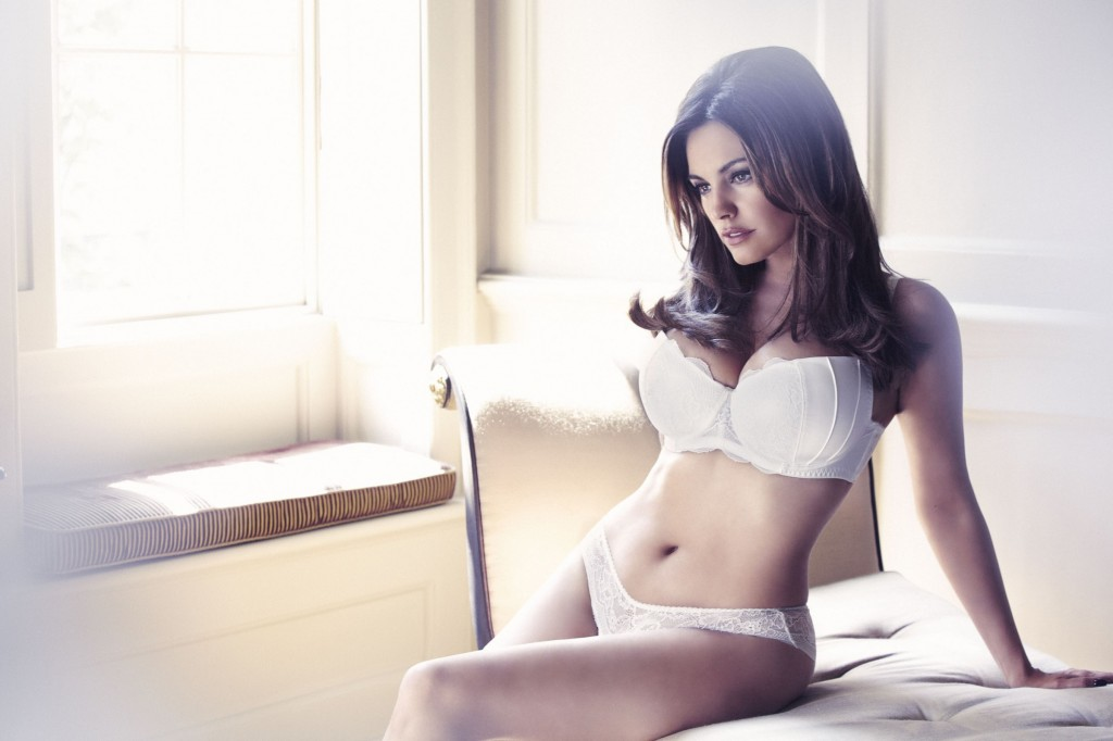 Kelly-Brook-New-Look-lingerie-5-1024x682