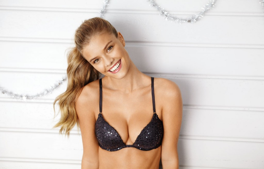 Nina-Agdal-Aerie-Holiday-9-1024x655