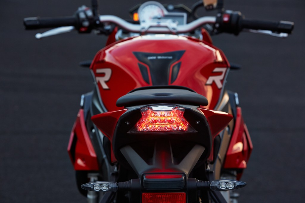 2014-bmw-s1000r-even-more-evil-than-the-rr-photo-gallery 24-1024x683