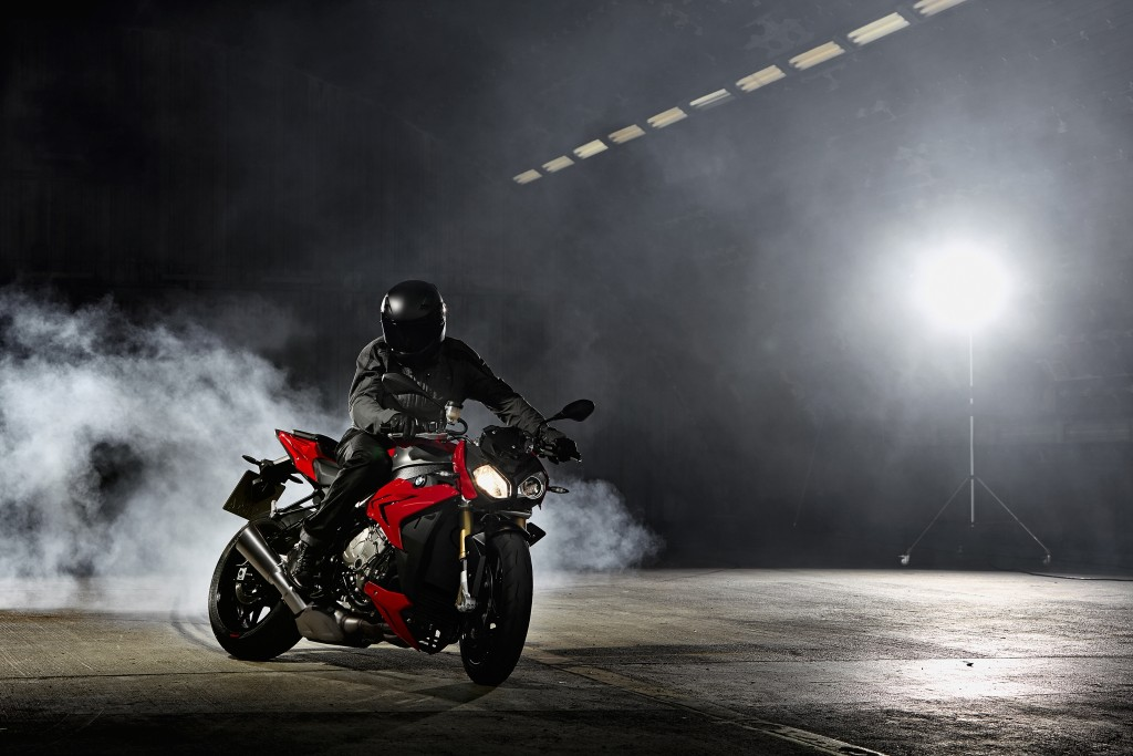 2014-bmw-s1000r-even-more-evil-than-the-rr-photo-gallery 4-1024x683