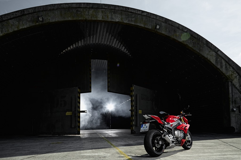 2014-bmw-s1000r-even-more-evil-than-the-rr-photo-gallery 47-1024x683
