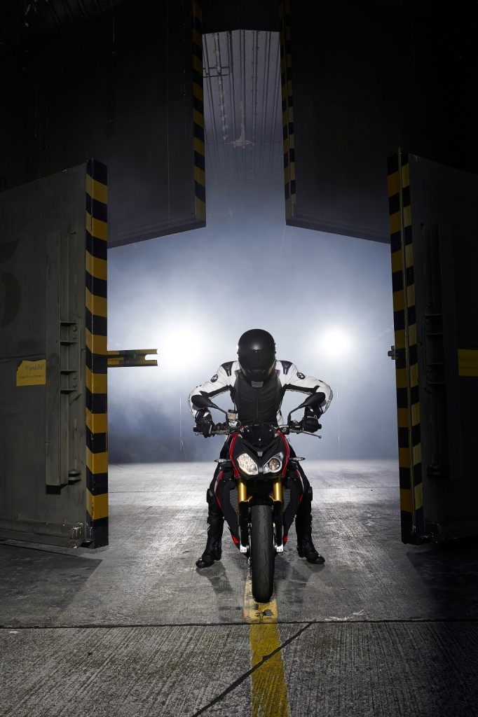 2014-bmw-s1000r-even-more-evil-than-the-rr-photo-gallery 51-682x1024