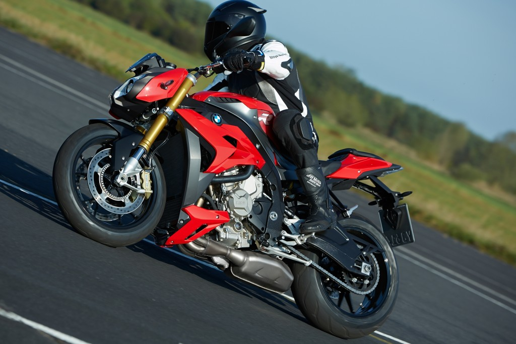 2014-bmw-s1000r-even-more-evil-than-the-rr-photo-gallery 9-1024x683