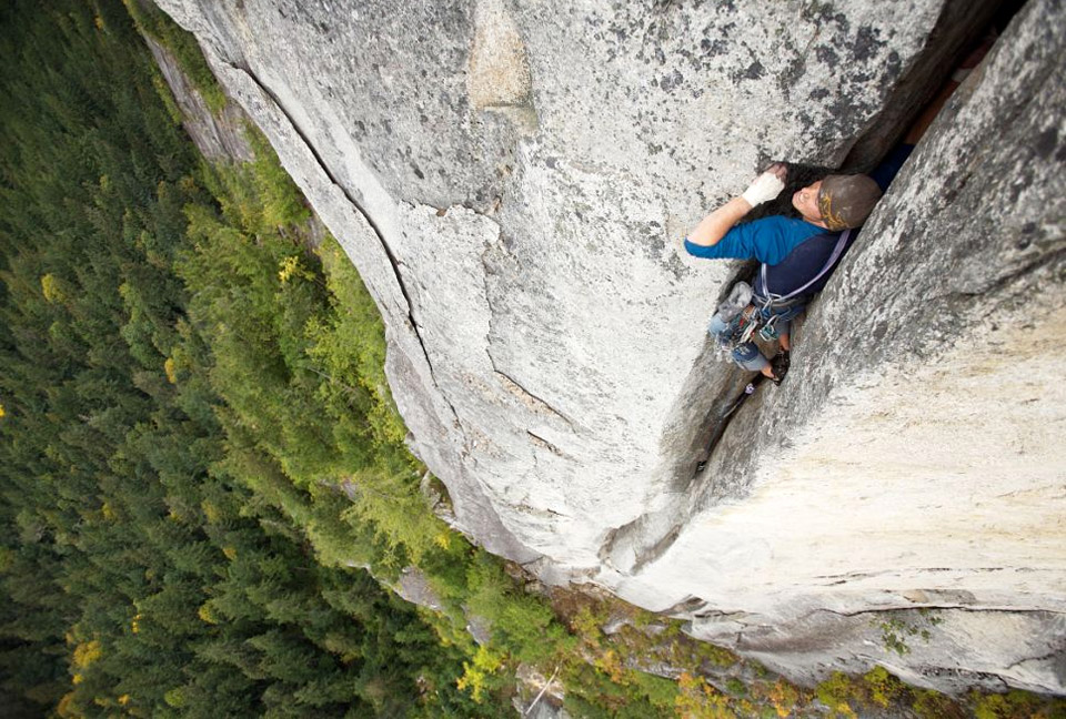 10climber-in-the-crack