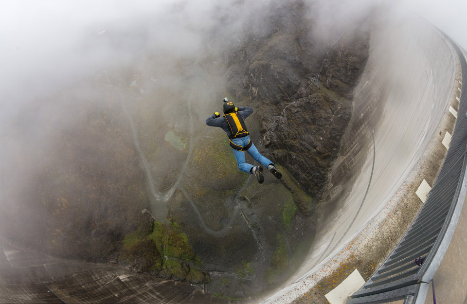 6base-jumping-switzerland