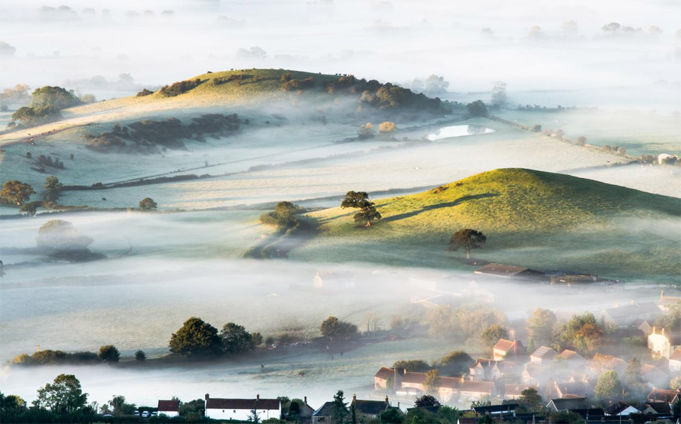4mist-over-countryside-england