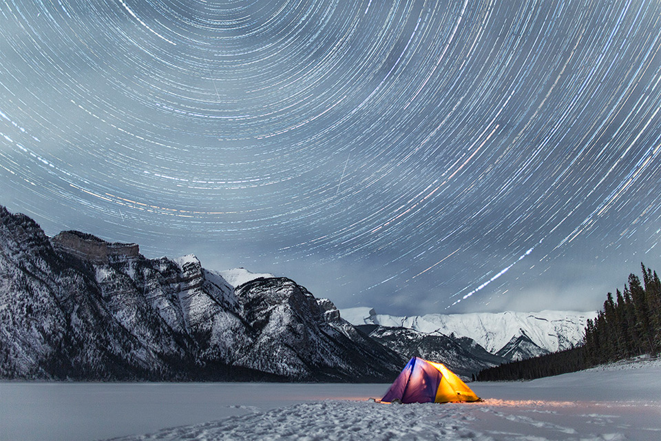 32star-trails-above-rocky-mountains