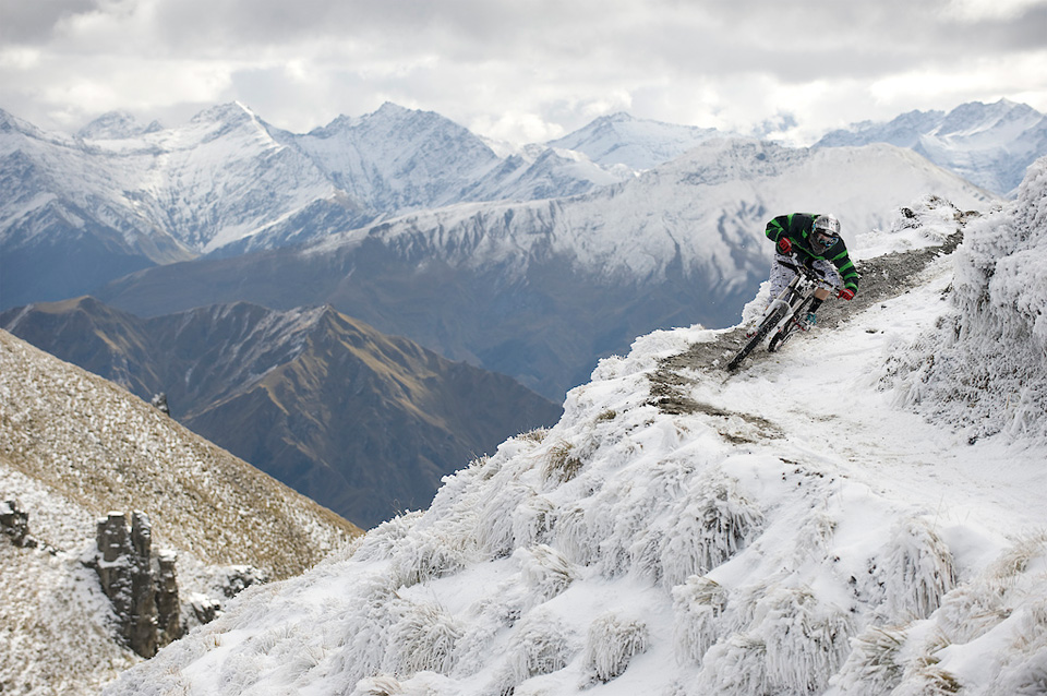 54extreme-biking-in-new-zealand
