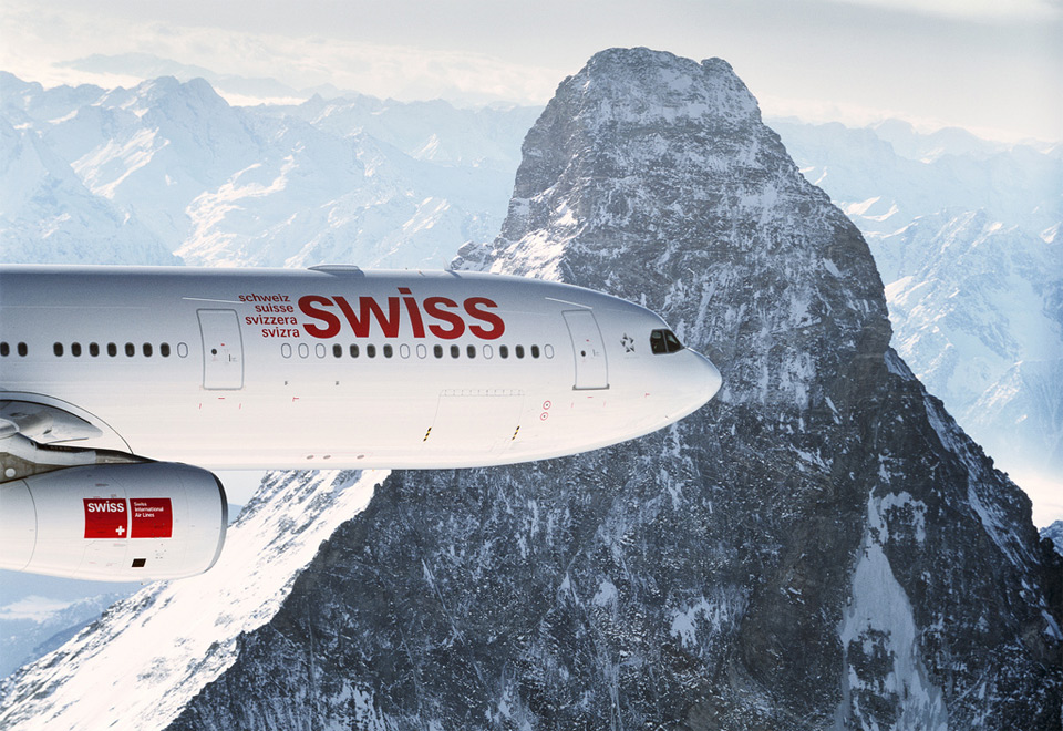 73swiss-airbus-over-alpes