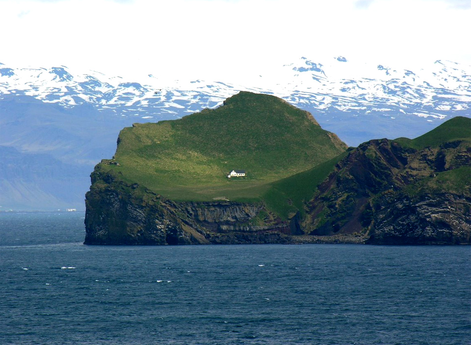 15the-loneliest-house-in-the-world