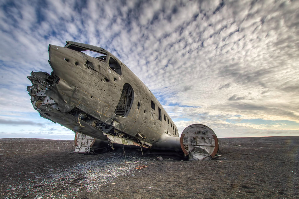 22the-lost-airplane-iceland