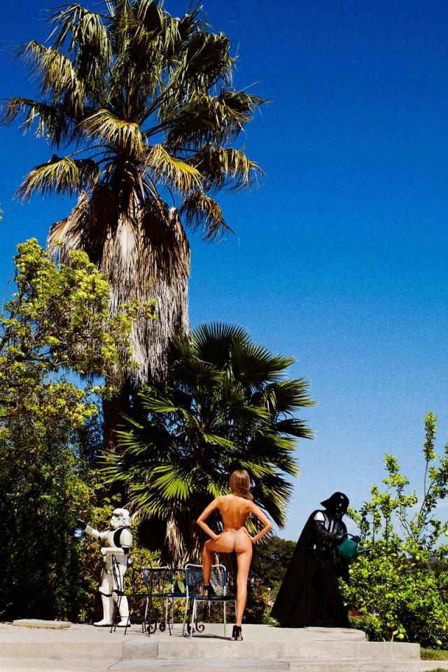 Буйство красок и лёгкая ирония – добро пожаловать в залитый солнцем и пальмами мир Тони Келли