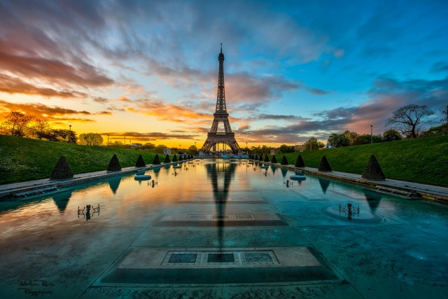 Закон об авторском праве запрещает ночную фотосъёмку Эйфелевой башни