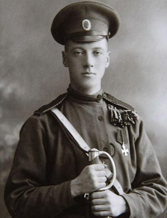 Малоизвестный Гумилёв: кавалерист, путешественник, дуэлянт