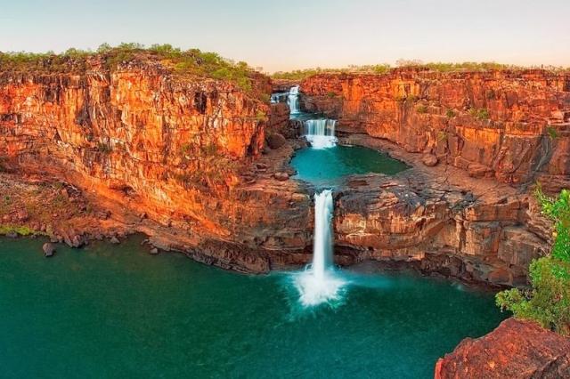 Изумительный водопад Митчелл в Австралии