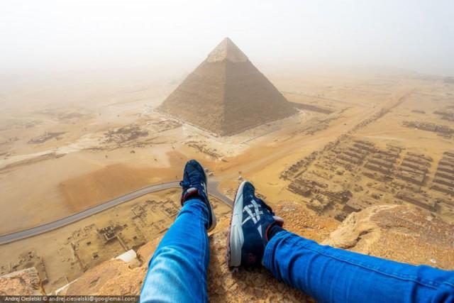 Подросток незаконно взобрался на пирамиду Гизы – фото и видеокадры