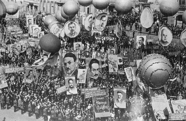 Парад на Красной площади 1 мая 1936 года