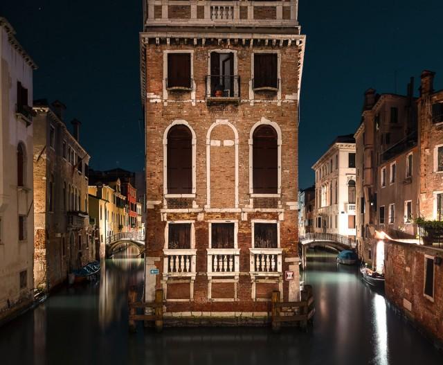 Спят усталые гондолы. Ночная Венеция Тибо Пуарье