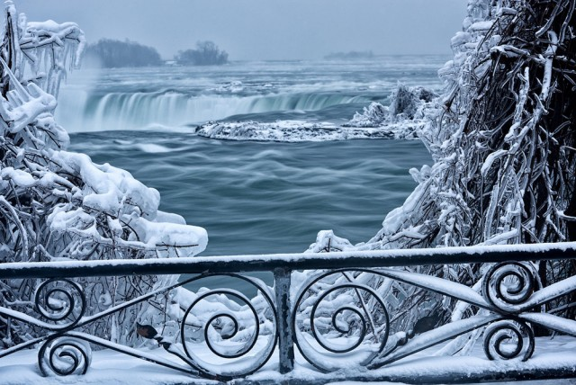 Ледниковый период на Ниагарском водопаде loverme