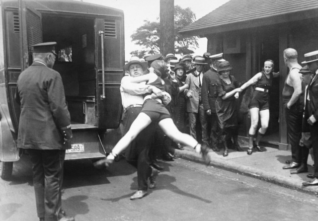 О войне купальников в 1920-е годы - ретро фото